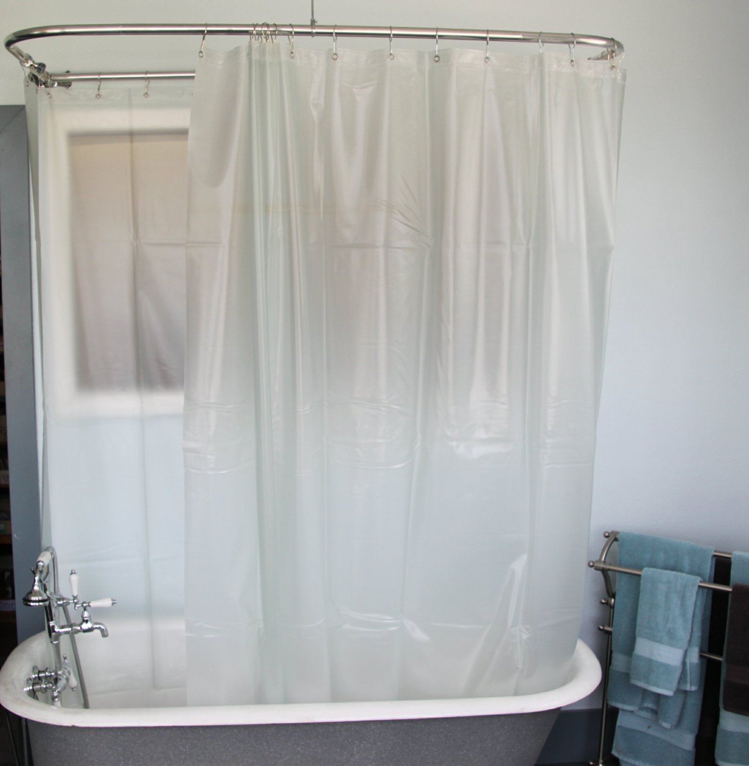 Bathroom White Shower Curtains With Round Curtain Rods And Cozy regarding proportions 1467 X 1500